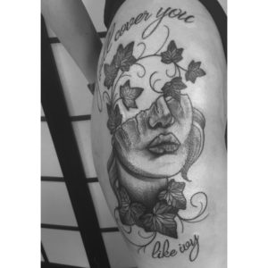 tatuaje en el hombro para mujer