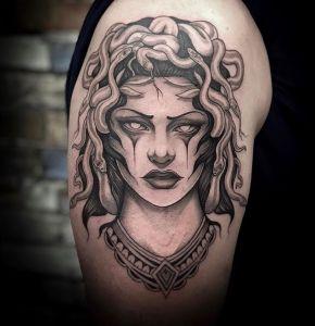 tatuaje griego