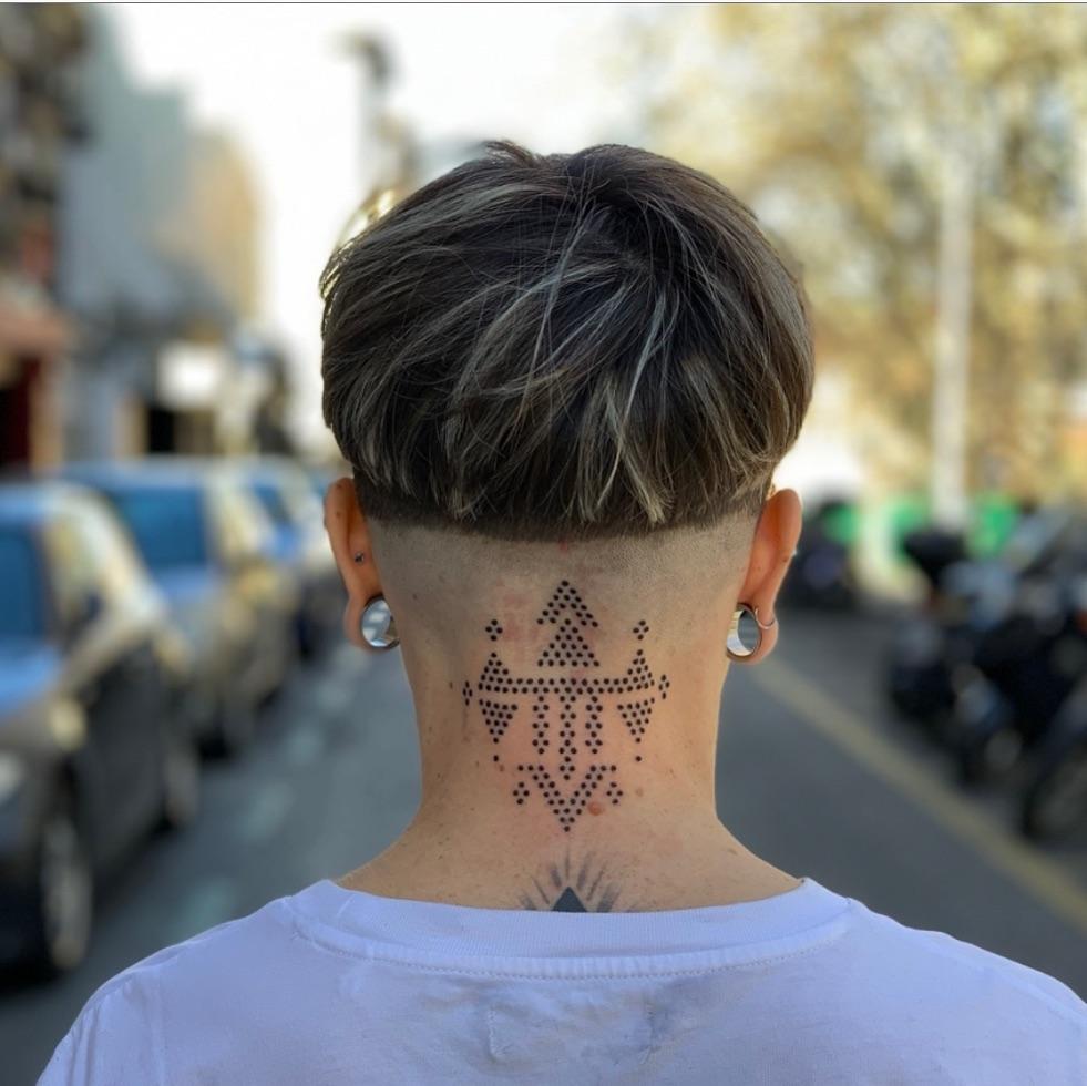 tattoo en la Nuca