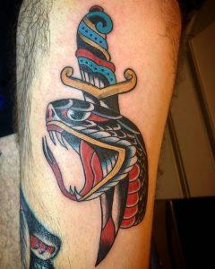 serpiente tattoo