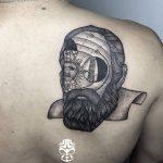 lineal tattoo