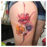 tatuaje de tulipanes